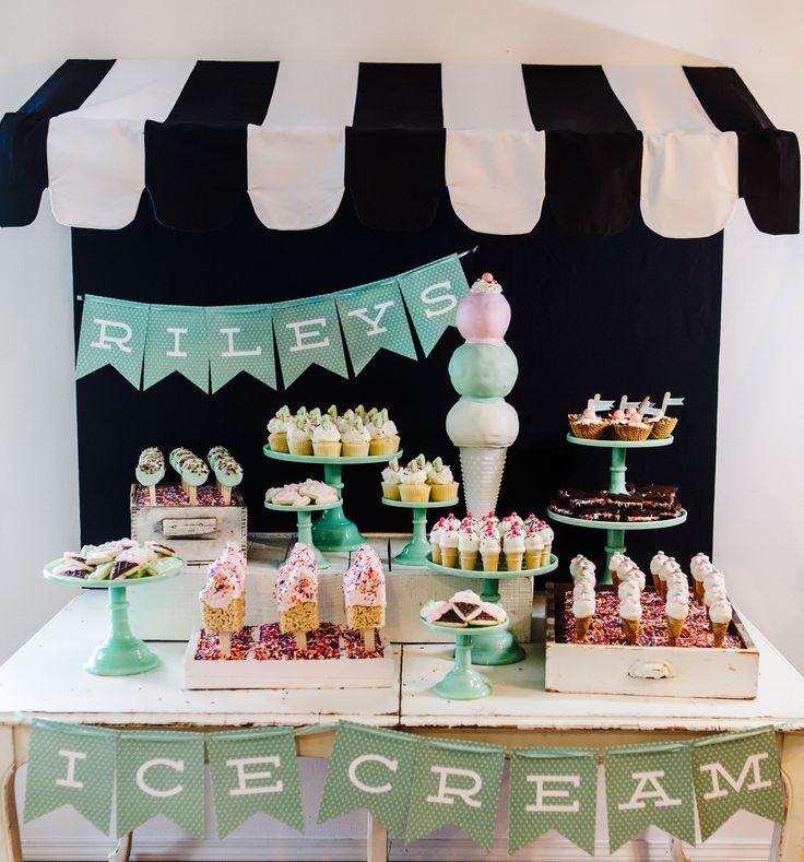 RILEY'S ICE CREAM SHOP