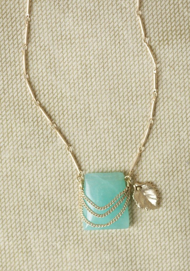 Natural Treasures Necklace...simple and elegant...and inexpensive! Mint is the trend for spring.