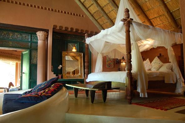 Timamoon Lodge, Kruger. Wedding Inspirations magazine Spring 2011 (September) www.weddinginspirations.co.za