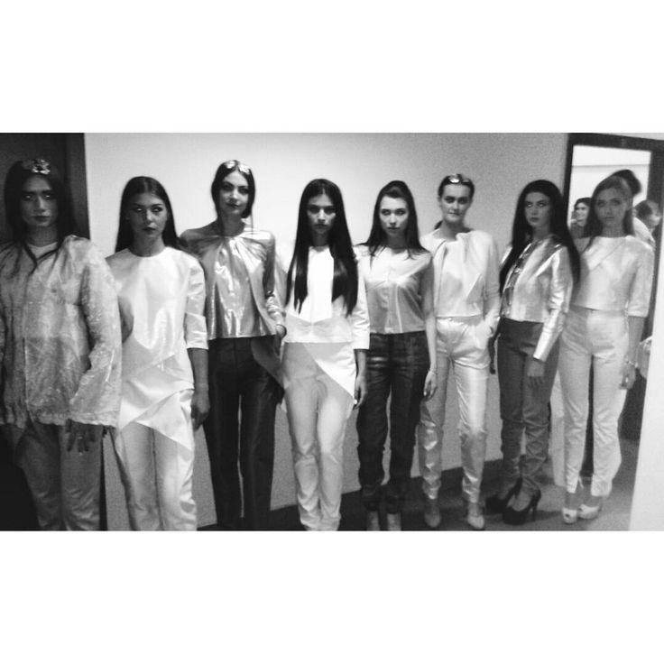#fashion #fashiondiaries #design #gogandru #galamodauvt2015 #galamodauvt #galauvt #galauvt2015 #picoftheday #vscocam #timisoara #art #texture #fashiondesign #designer #sculptural #minimalism #white #pictureoftheday #clothes #architecture #inspiration #white #metallic #holographic #silver #student #collection