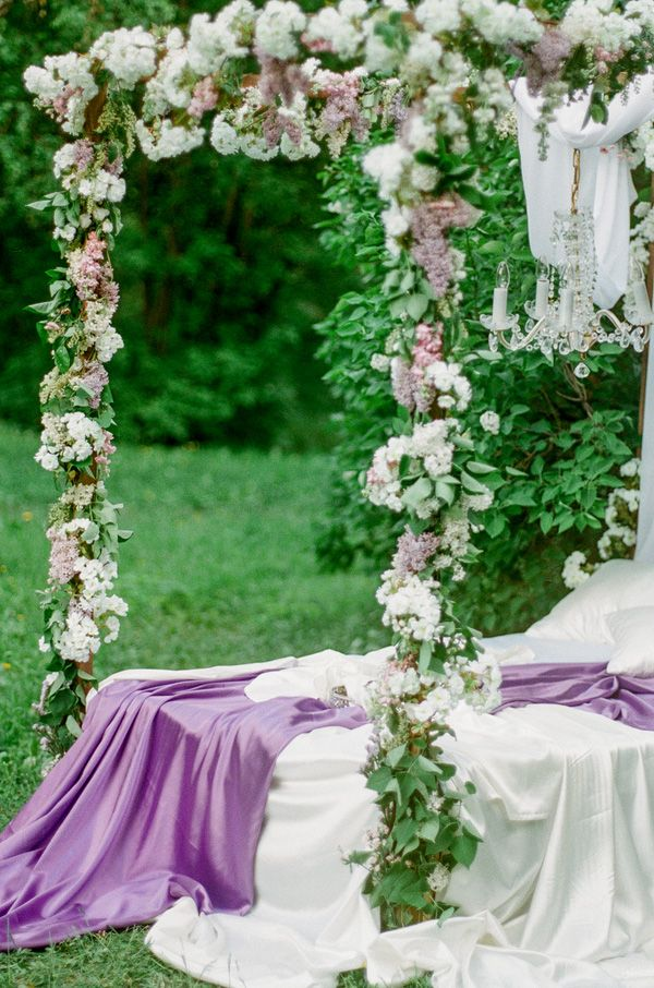Silk Sheets and Floral Garlands | Warmphoto | Sleeping Beauty - An Enchanted Bridal Morning
