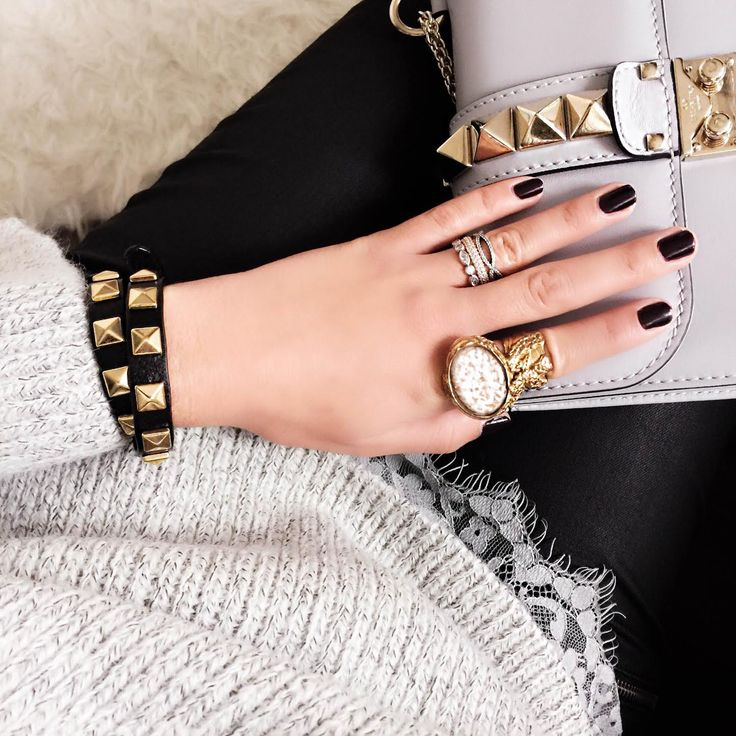 outfit-details-valentino-rockstud-bag-lace-sweater