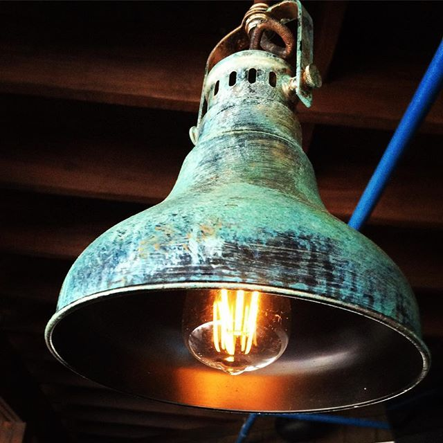 Metal Effects Patina on Light Fixture | Project by Dan Benzakin