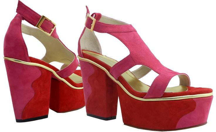 MarF Zapatos - Modelo Cleo realizado en Cuero Cabritilla combinado con oro. Taco de 10cm y plataforma de 4cm