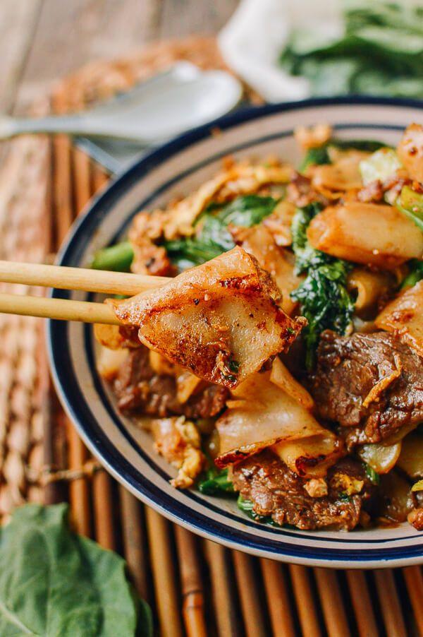 Pad See Ew, Thai Stir fried noodles with beef by thewoksoflife.com