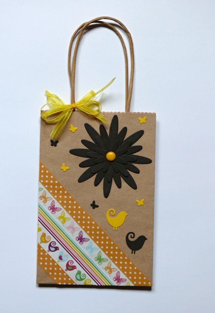 Papírová+dárková+taška+rozměr+12+x+18+x+6+cm
