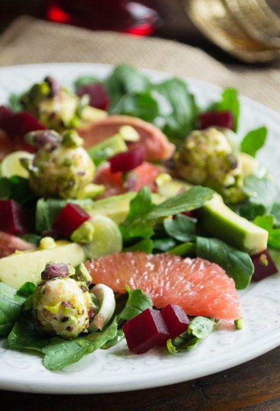 Σαλάτα με αβοκάντο, γκρέιπφρούτ και κοπανιστή
