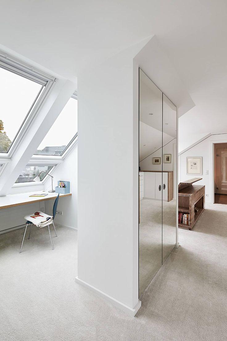 Dachgeschossausbau, ratingen: schlafzimmer von philip kistner fotografie