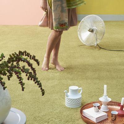 PAMINA, världens mjukaste matta. Pamina är mattan du behöver känna.