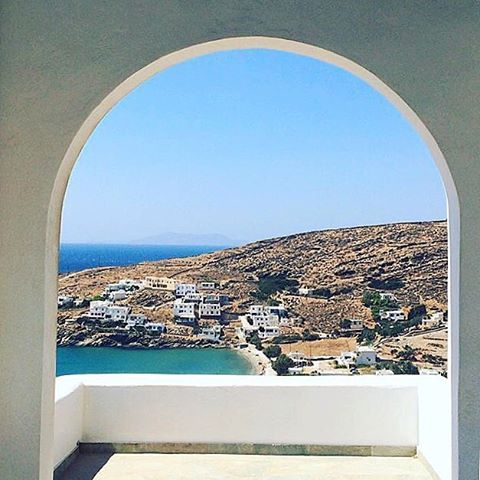 Wonderful view of Tinos island (Τήνος). In this island there are more than 40 traditional villages to explore and many beautiful beaches to visit !