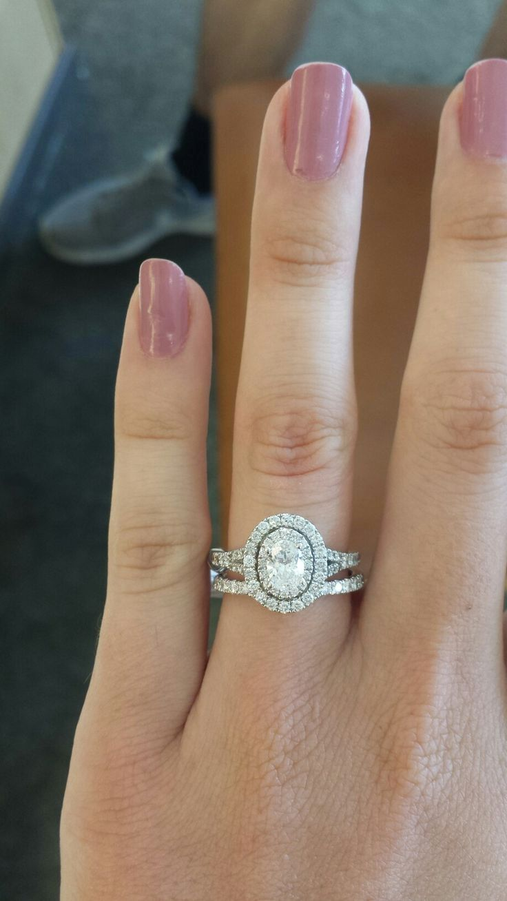 Best 25+ Oval Engagement Rings Ideas On Pinterest