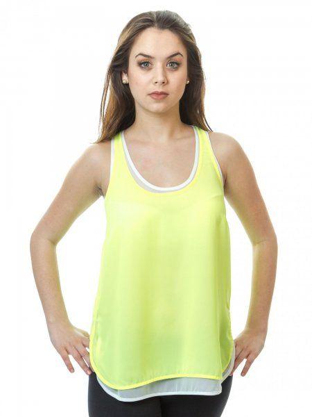 Elegantný dámsky top značky s.Oliver. Veľmi pohodlný top v jednoduchom farebnom prevedení, ktorý padne ku každému oblečeniu.