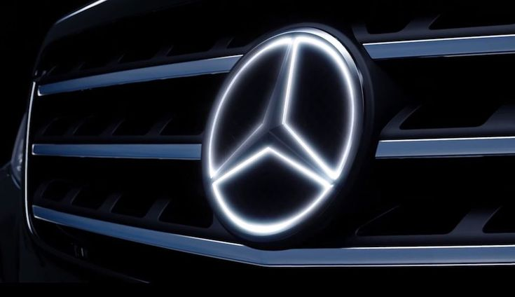 Mercedes-Benz to offer illuminated emblem star