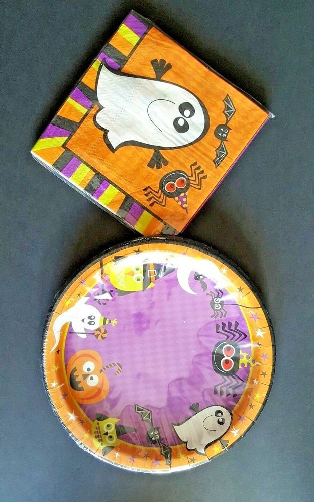 Halloween Paper Plates and Napkin Set 9\