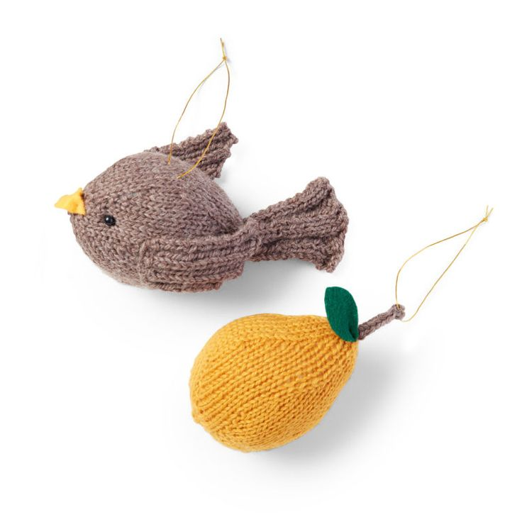 Three Dozen of the Sweetest Christmas Ornaments to Knit ...