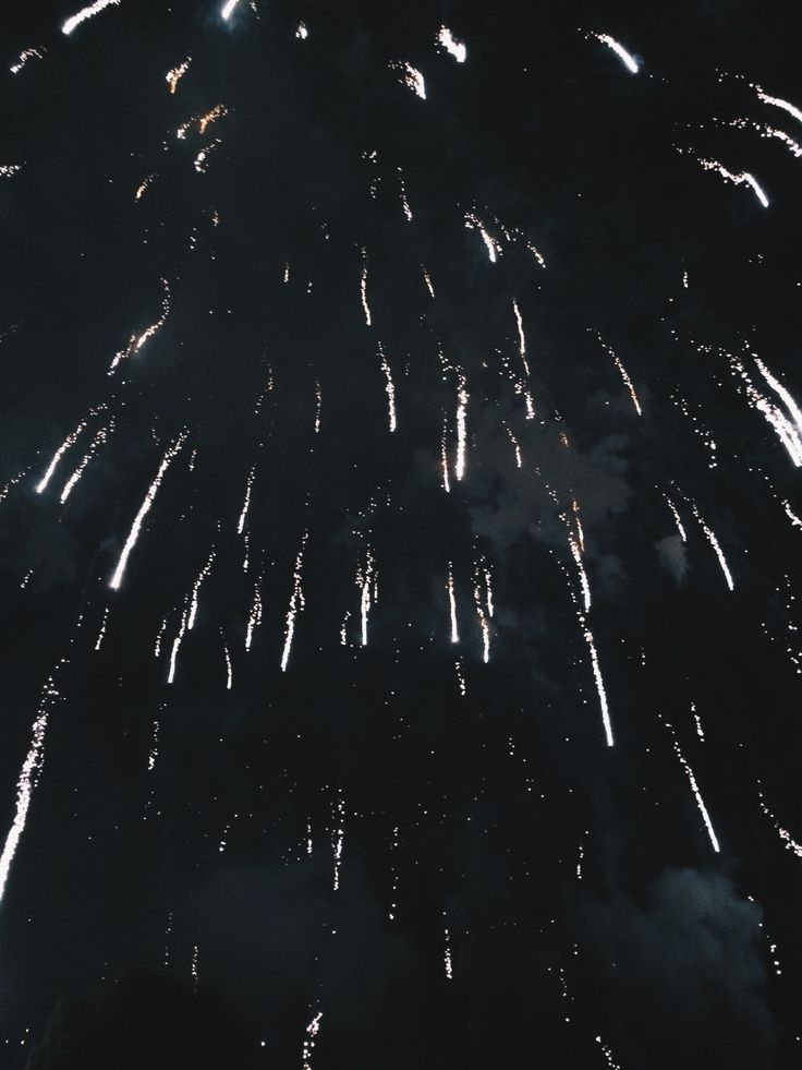 "mczarts: "" 1.1.16 // my favorite fireworks are the ones that look like someone threw glitter into the sky """