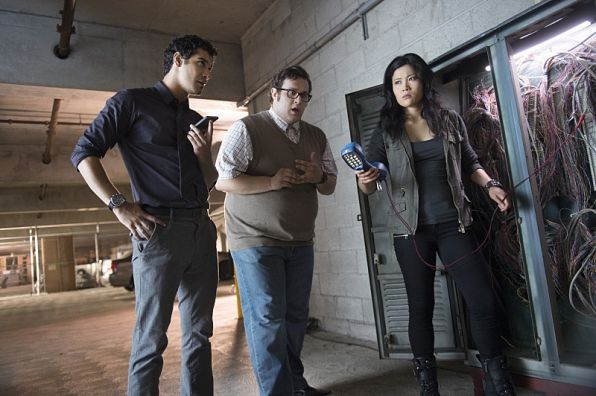 sooo many wires lol Episode 8- Risky Business #TeamScorpion
