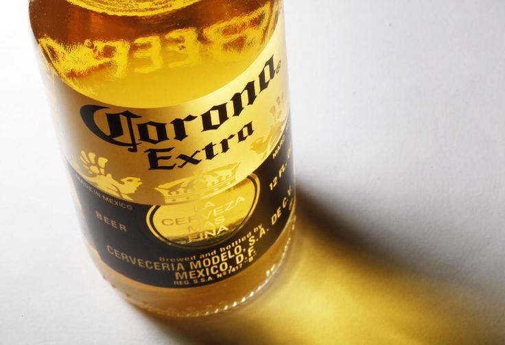 Corona bier bottles Export Großhandel Preise - Wenn du das Corona Extra aus Mexiko nicht im Supermarkt oder beim Getränkehändler bekommst kannst du es auch hier bestellen. +49.8034.7056.800  Email: anfrage@beveragebroker.me