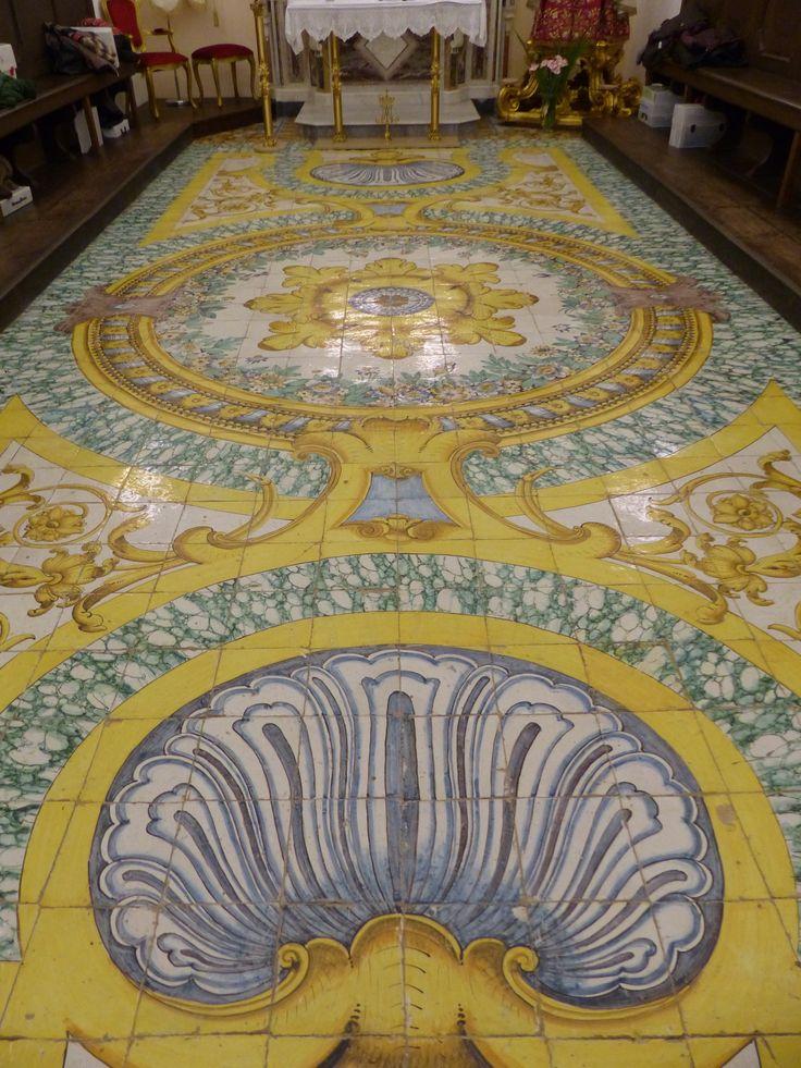 Pavimento della cappella dell'Arciconfraternita del SS Rosario all'Annunziata - Massa Lubrense
