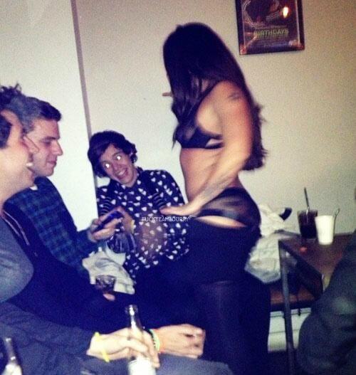 KEEP SHITTING ON HARRY STYLES Poster | alkdjsfsad | Keep ... |Harry Styles Pooping