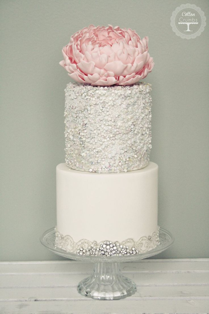 To see more gorgeous wedding cakes from Cotton & Crumbs: http://www.modwedding.com/2014/06/20/wedding-cakes-exceptional-details/ #wedding #weddings #wedding_cake