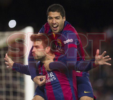 Luis Suárez festejando la anotación de Gerard Piqué | Barça, 5 - Espanyol, 1