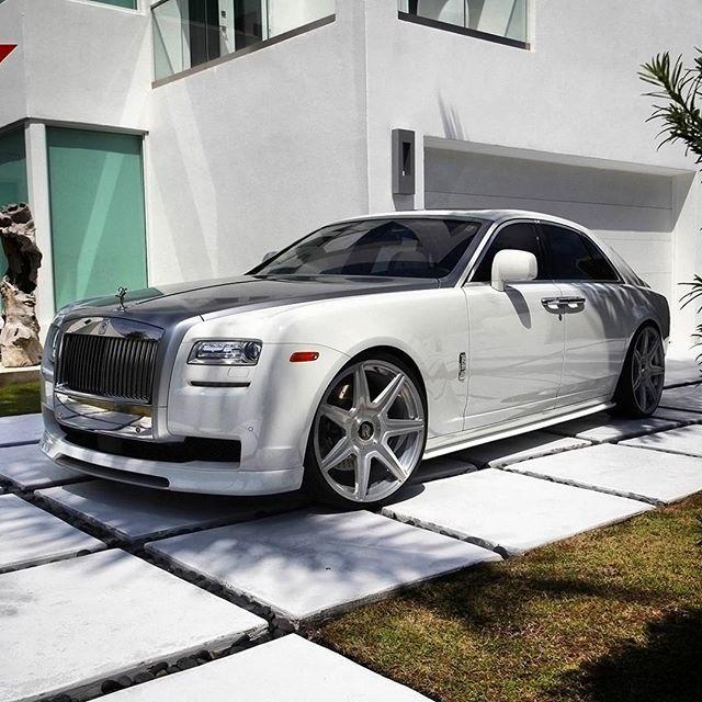 Instagram media by majorka_rr_moscow77 - Сладких снов! 😇  Rolls Royce  Ghost 1st series 👑 🔝 🔱  Like+Comment #rr #ghost #wraith #car#drophead#premium #phantom #cars #luxury #beautiful #rich #beauty #rollsroyce #rolls_royce #moscow #rollsroycemoscow #rollsroyce#2017 #photooftheday #car#dawn #royal#москвасити #royalmoscow #elite#москва #terrific#nice#follow  #like4like