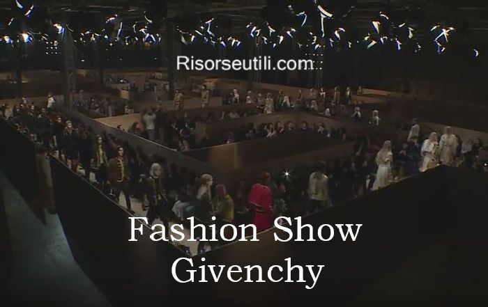 Fashion show Givenchy fall winter 2016 2017 womenswear