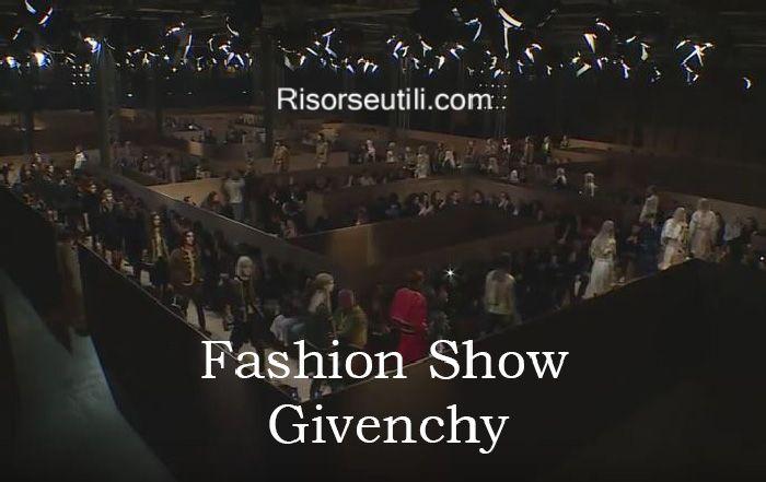 Fashion show Givenchy fall winter 2016 2017 womenswear