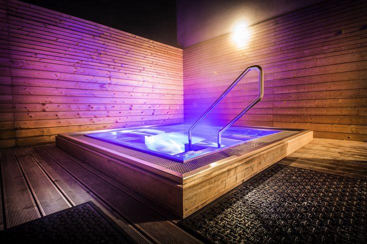 Luxury stainless steel whirlpool Imaginox made in Czech Republic