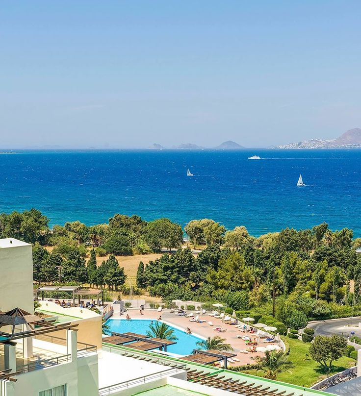 Your upcoming holidays in #Kos island just got better with our all new complimentary Wi-Fi in the lobby of #Kipriotis Maris Suites and Kipriotis Hippocrates Hotel & the new heated pool of Kipriotis Maris Suites! Discover more: http://bit.ly/1B3SIM5