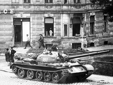 Srpen 1968: Rusákům nechtěl nikdo dát najíst, museli krást zelí
