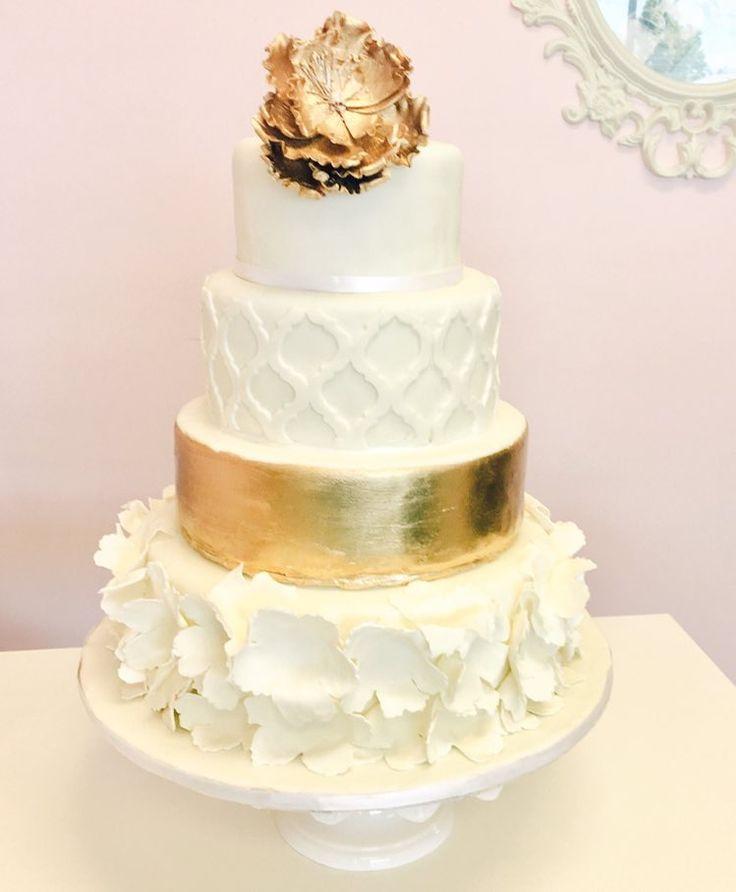 Elegant #WeddingCake #White and #Gold #DvasCakes #Cambridge