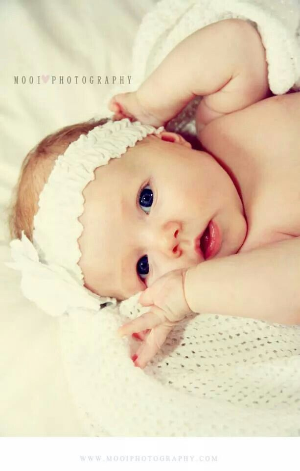 Newborn session by ♥ Mooi Photography♥ copy right protected