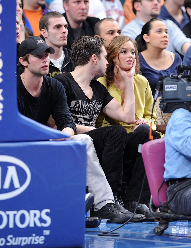 Photos-Gossip-Girl-Chace-Crawford-Leighton-Meester-Ed-Westwick-Sebastian-Stan-Knicks-Game-NYC