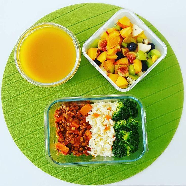 Porque sábado também é dia de trabalho aqui vai o meu almoço: estufado de lentilhas arroz e brócolos