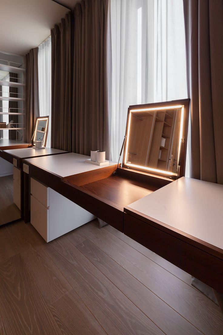 cool idea for a flip-up desk, storing a laptop