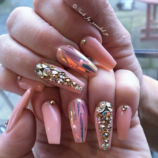 ARTWORK: @nails_by_annabel_m #nails #notd #nailart