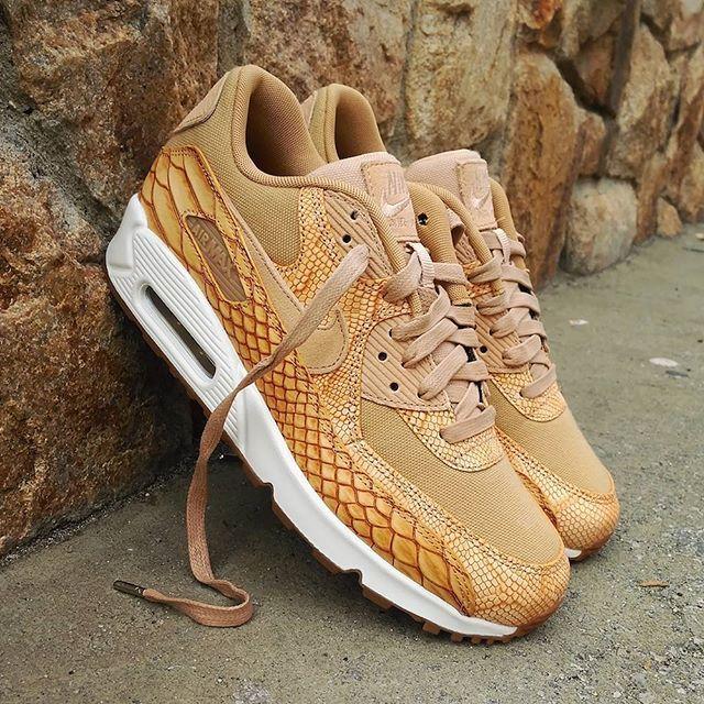 "Nike Air Max 90 Premium ""Snakeskin Tan Gold""  Size Man - Precio: 149 (Spain Envíos Gratis a Partir de 99) www.loversneakers.com  #loversneakers#sneakerheads#sneakers#kicks#zapatillas#kicksonfire#kickstagram#sneakerfreaker#nicekicks#thesneakersbox #snkrfrkr#sneakercollector#shoeporn#igsneskercommunity#sneakernews#solecollector#wdywt#womft#sneakeraddict#kotd#smyfh#hypebeast #nikeair#airmax90 #am90 #nike #airmax"