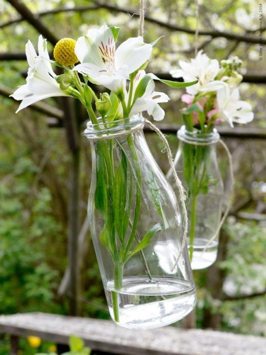 Låt träden blomma hela sommaren! Här med hjälp av ENSIDIG vas.