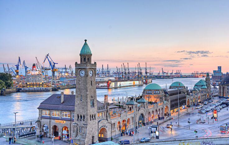 Die Elbmetropole Hamburg ist eine echte Perle, da hatte Lotto King Karl mit seinem Lied wirklich recht. Wenn ihr euch auf den Weg in den Norden macht, könnt ihr Großes erwarten, denn Hamburg ist in unterschiedlichster Hinsicht eine Stadt der Superlative.