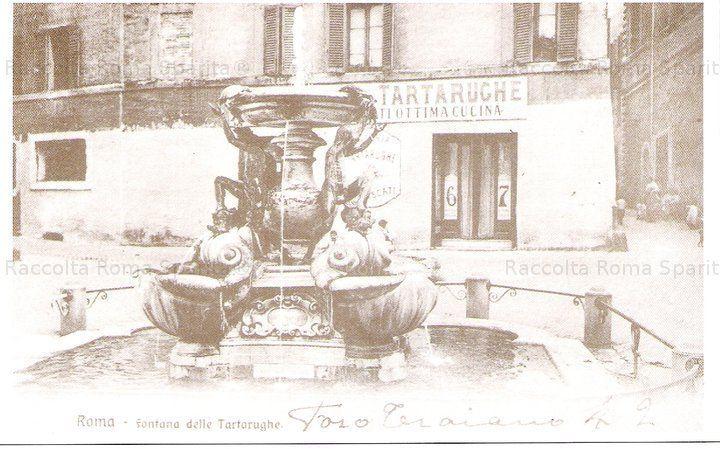 Piazza Mattei con la bellissima fontana delle Tartarughe Anno: 1900
