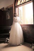 Фантазии Высокая Шея С Длинным Рукавом Белого Кружева Бальное платье длиной до пола Свадебное Платье