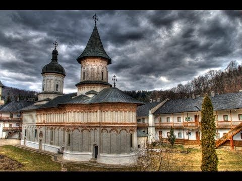 The church is representative of Moldavian architecture at the end of the 16th century and the beginning of the 17th century. It integrates Walachian influences into its Moldavian form. These include the two towers, one above the naos, the other above the pronaos, and the two rows of blind arcades going around the church façades.