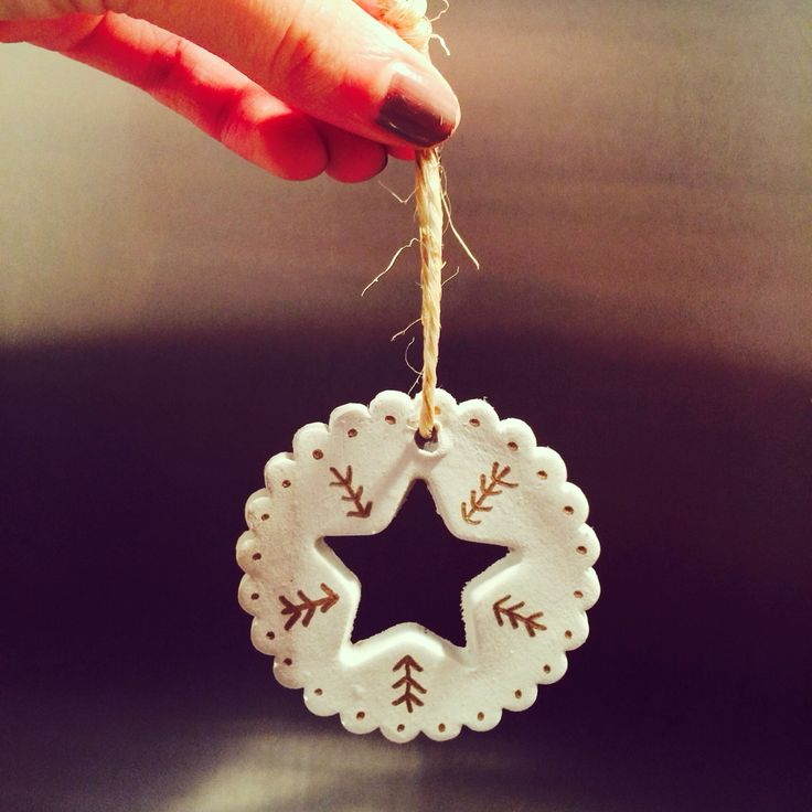 Made some cute air dry clay Christmas decorations these were so easy to make