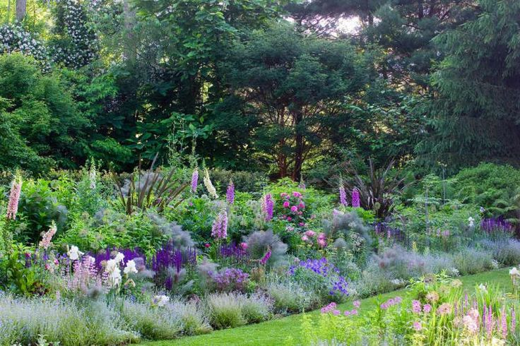 Border garden 'The Layered Garden' book review by Dirt Therapy