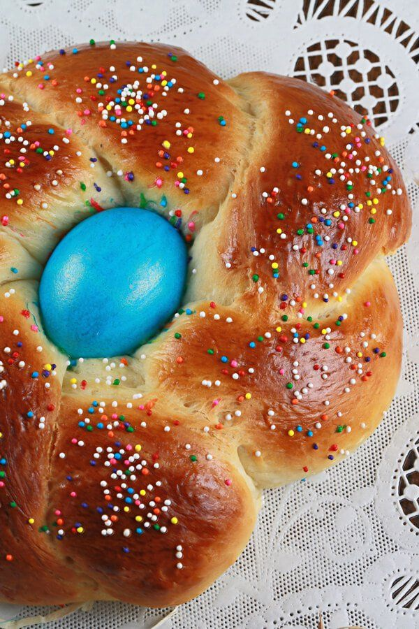 A must try fun and festive Italian Easter Bread recipe. This simple and delcious homemade bread recipe will become a tradition every Easter for your family!
