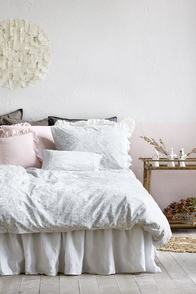 Urban vibes or Scandinavian minimalism - transform your bedroom with new bedding | H&M Home