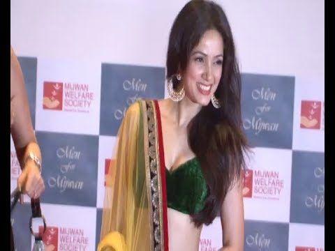 Vidya Malvade STUNNING GORGEOUS in low waist lehenga choli saree.