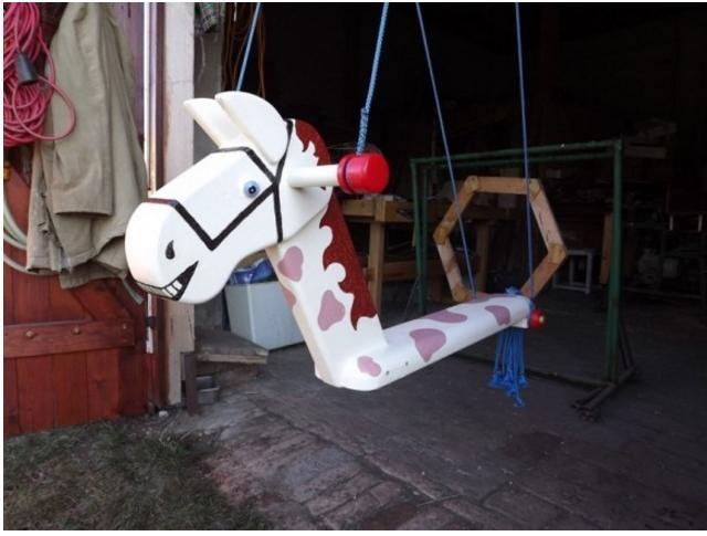 Horse, swing, rocking horse , Pferd, Schaukel, Schaukelpferd , cheval, balançoire, cheval à bascule ,caballo, oscilación, caballo de oscilación , cavalo, balanço, cavalo de balanço